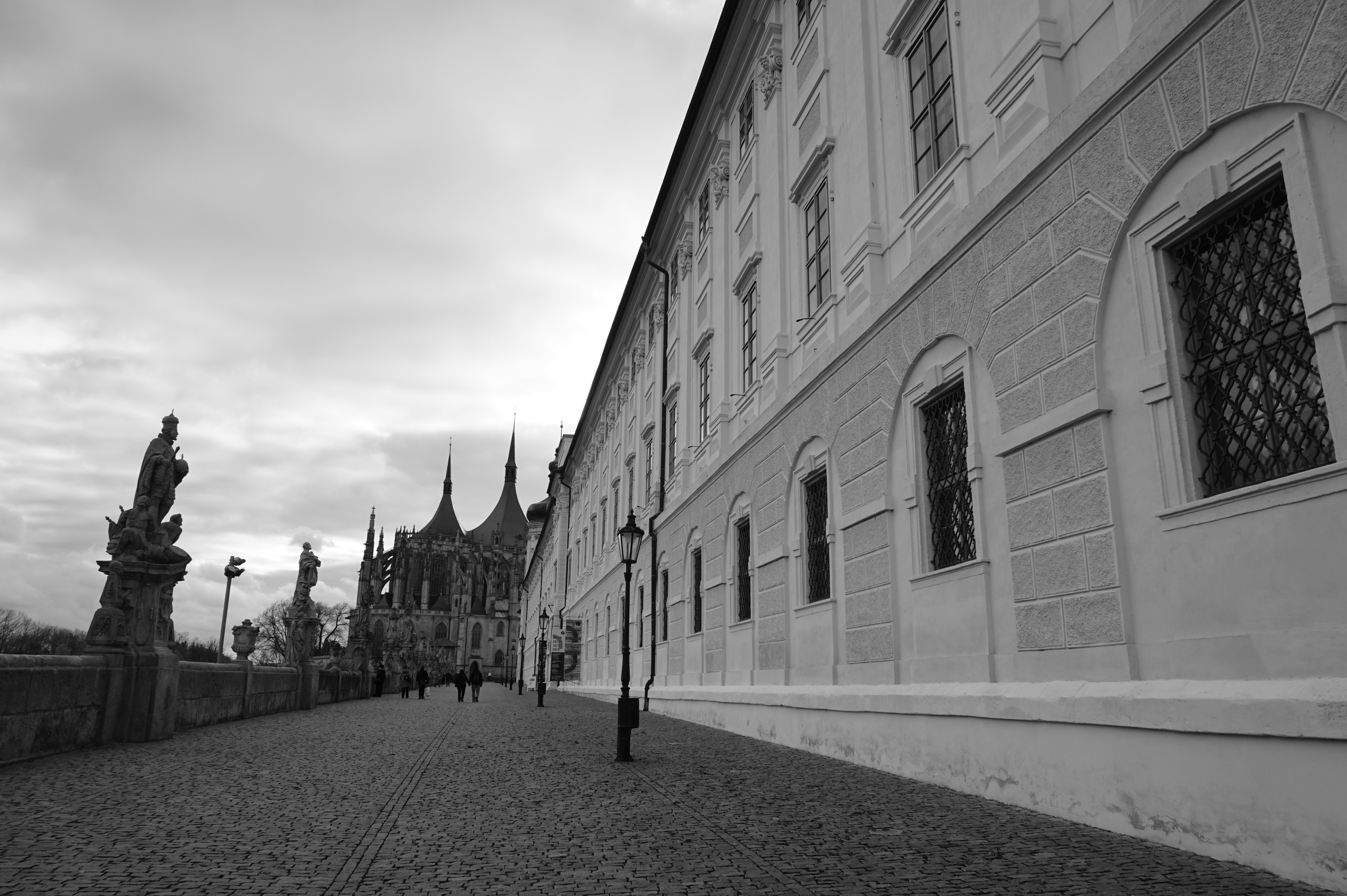 March is the best time for one day trip to Kutná Hora.