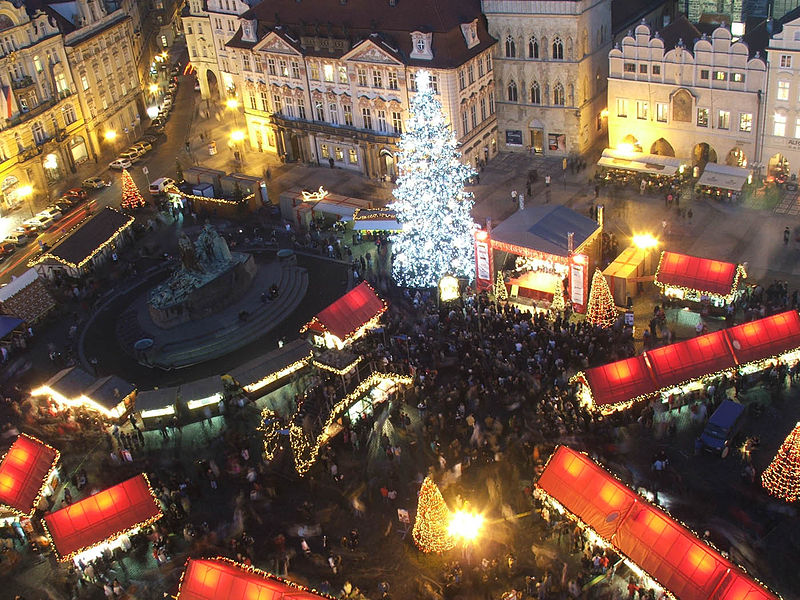 Christmas markets in Prague, Old Town Square. Is December the best time for you?
